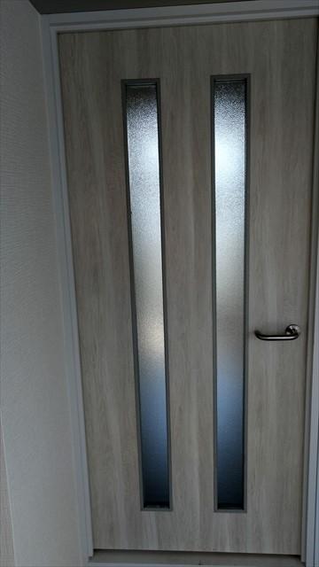 ダイノックシート貼った扉