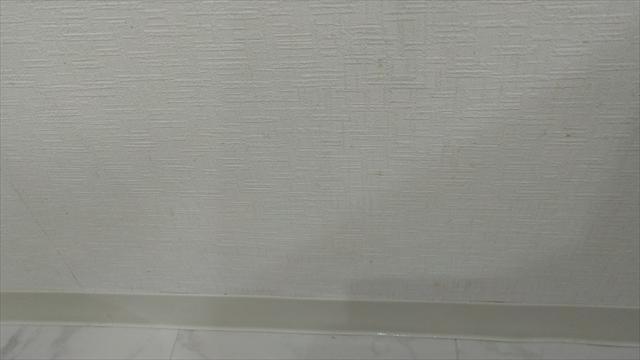 クロスのキッチン周りの油汚れを掃除した結果