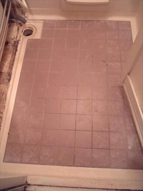 お風呂の床タイル現状
