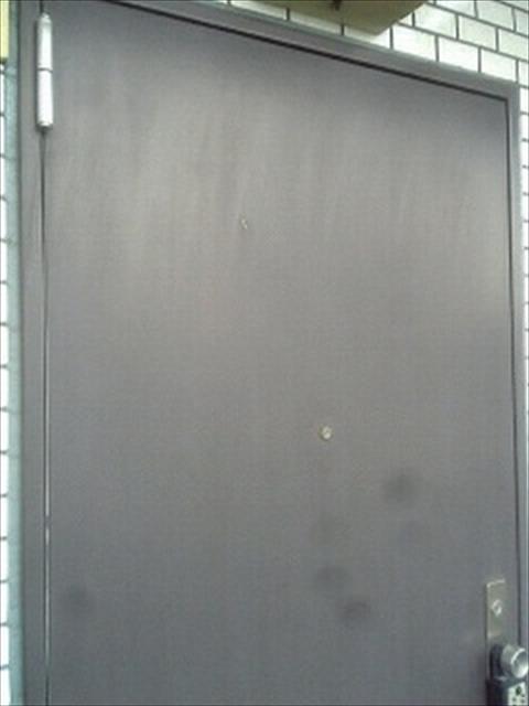 ペンキ塗りドアの現状