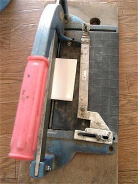 タイル切断器具
